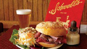 Món ăn tiêu biểu tại nhà hàng Buffalo NY - một trong những nhà hàng nổi tiếng phía bờ Mỹ thác Niagara