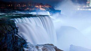 Thác Niagara vào mùa đông lại mang nét đẹp riêng biệt và cuốn hút đến khó tả